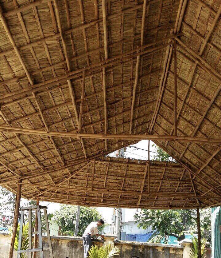Lợp nhà mái lá siêu đẹp tại Sài Gòn