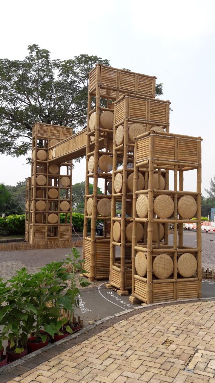 Công trình thi công tre trúc ngoài trời bằng nguyên liệu tre tầm vông