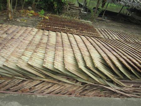 lá dừa trầm