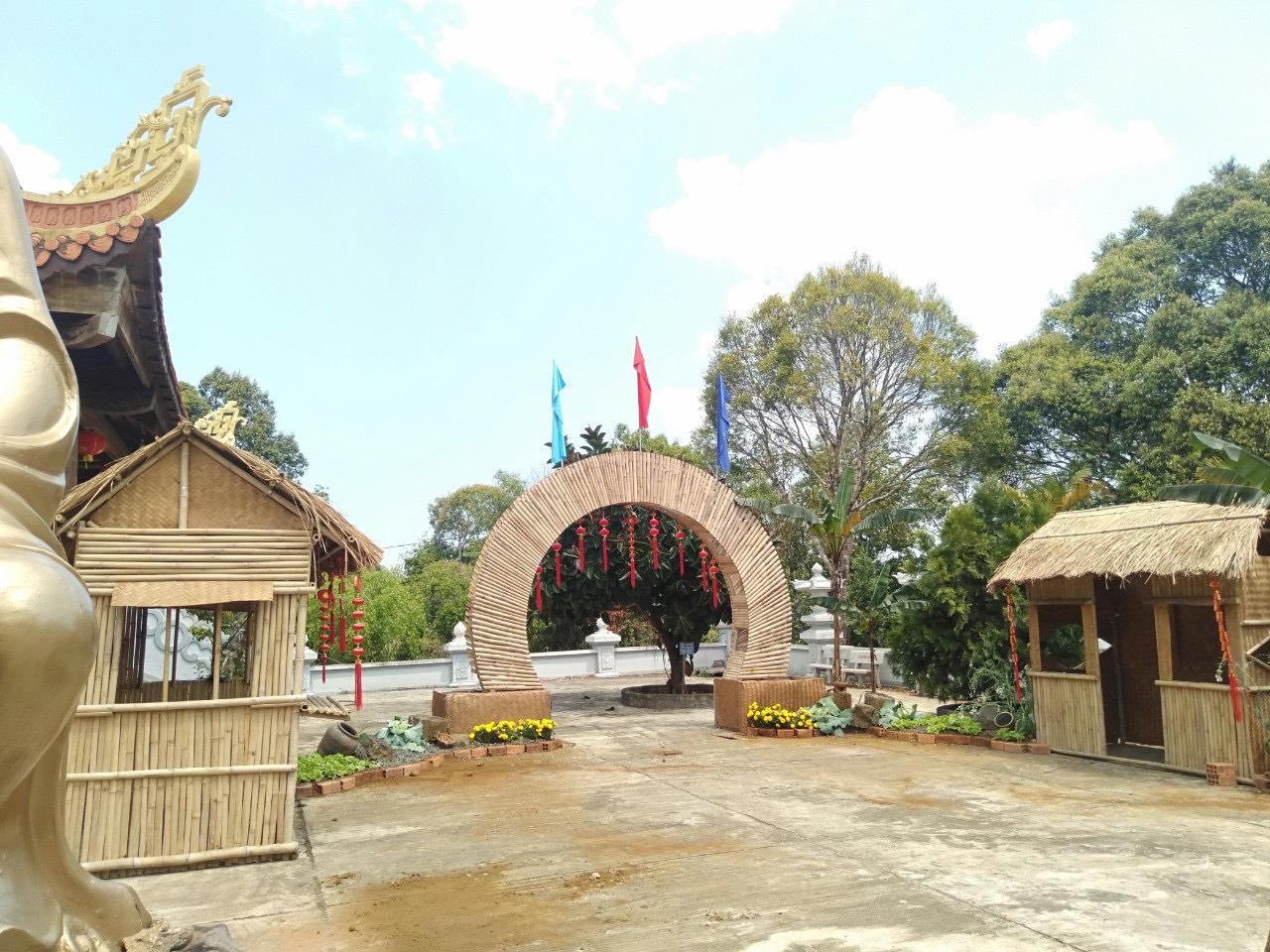 Thi công tre trúc chuẩn bị cho hội chợ xuân tại HCM và các tỉnh thành lân cận.