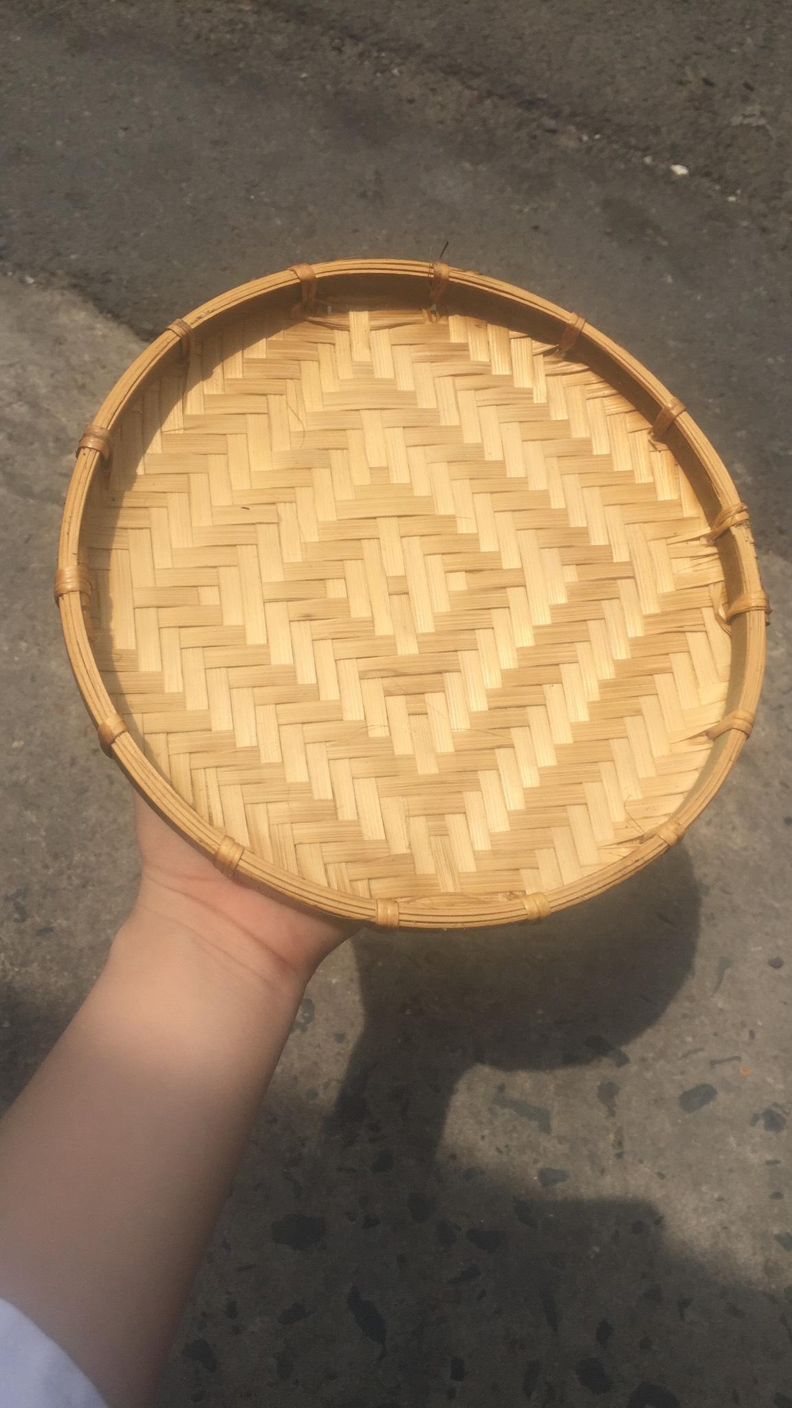 Mẹt tre hun khói được bán chạy nhất tại cửa hàng