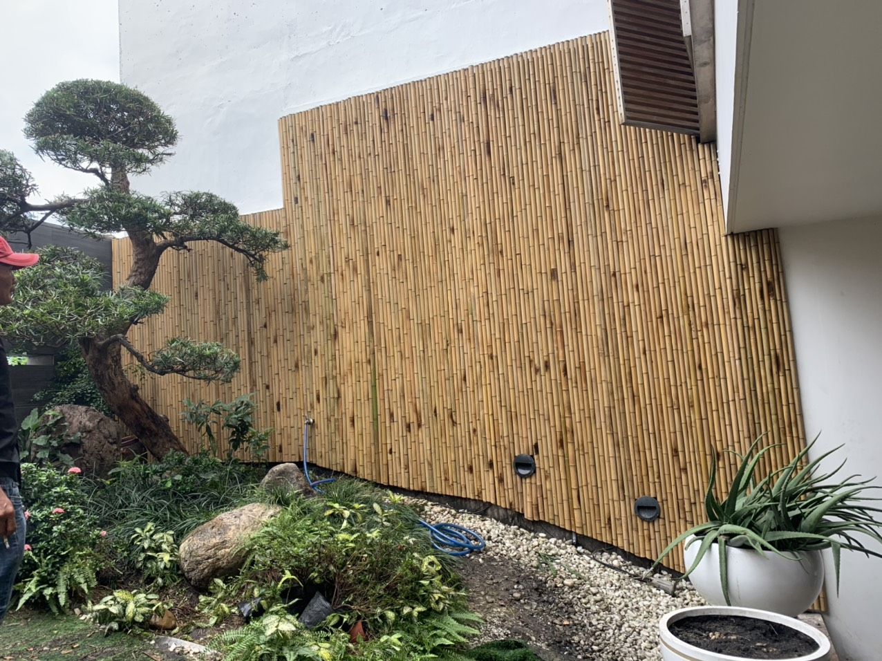 Ốp tường rào tre trúc trang trí