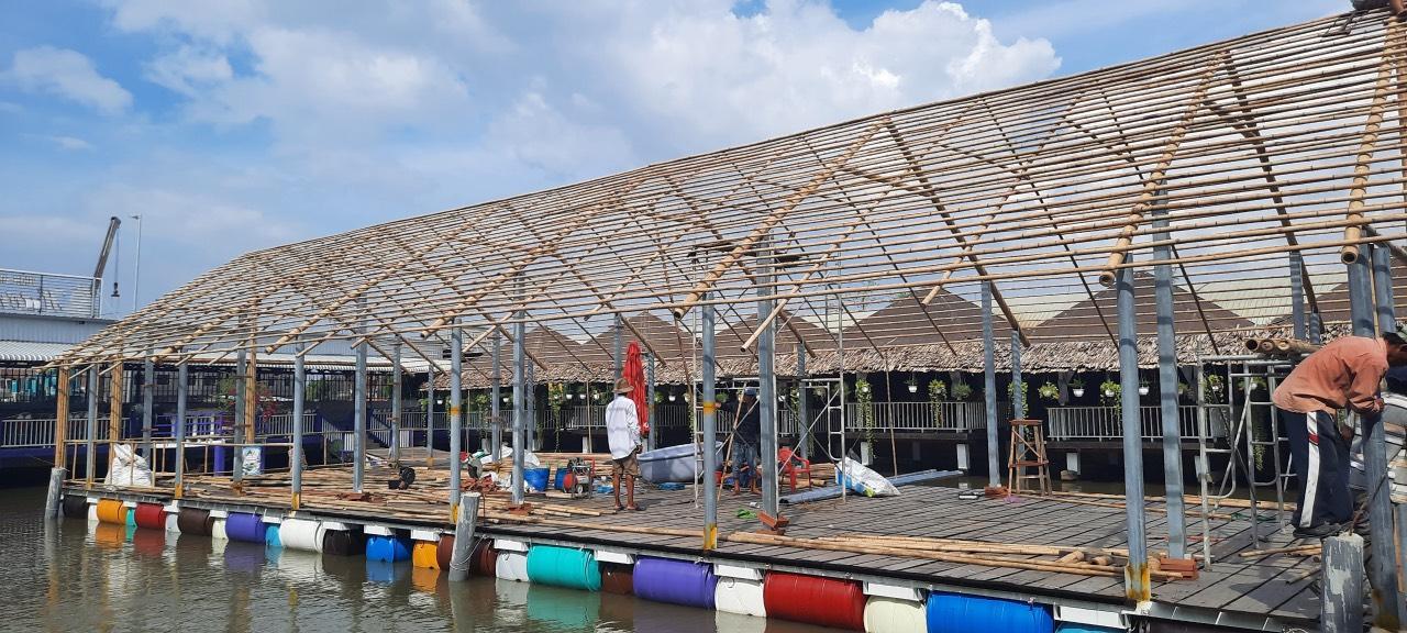 Thi công nhà tre cho vườn sinh thái Hương Quê